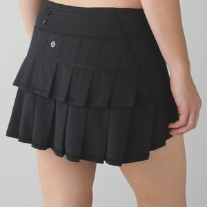 Lululemon 6 Run pace Setter Skirt Black Pleated